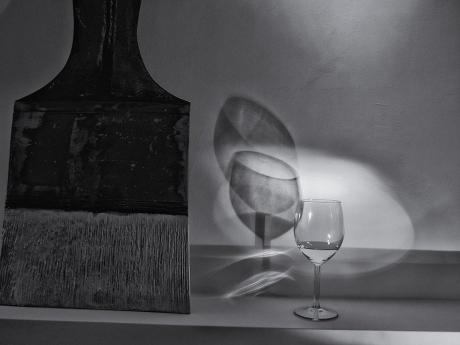Un pennello e un bicchiere