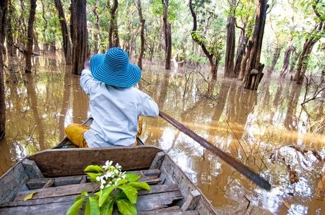 in piroga sul Mekong